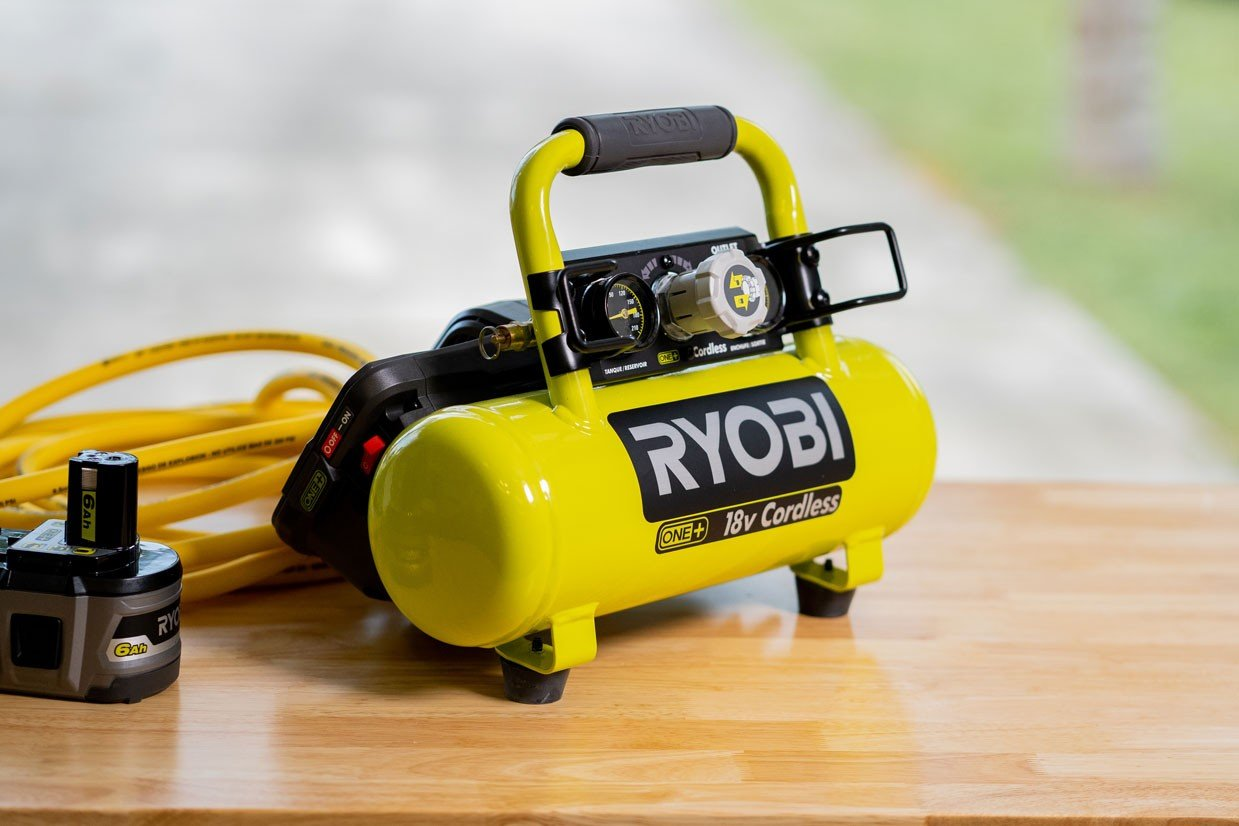 Best Portable Air Compressors For Home Use, Construction & Industrial